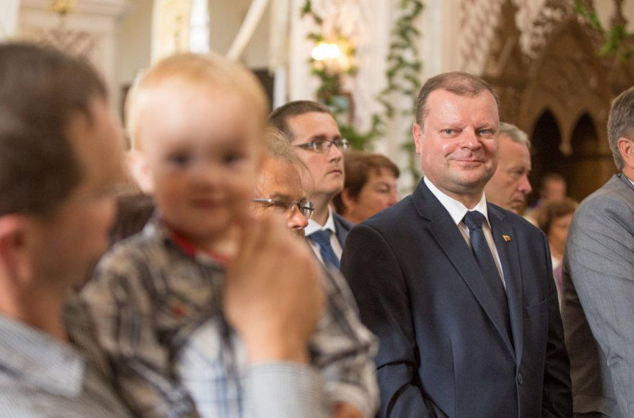 Saulius Skvernelis dalyvavo lietuviškose pamaldose Punske