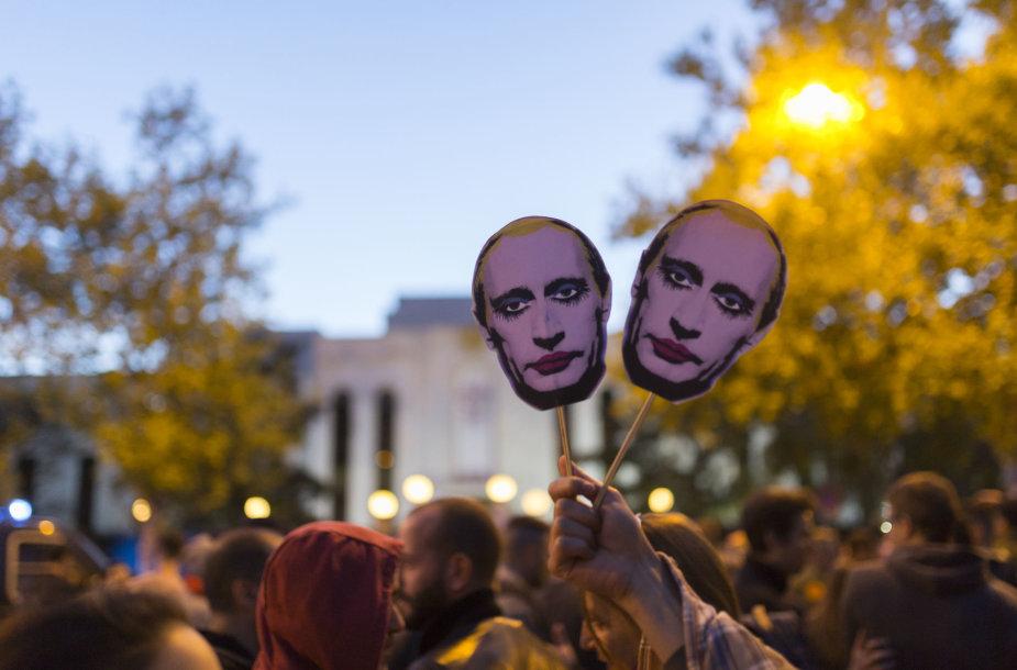 Demonstracija prie Rusijos ambasados Madride