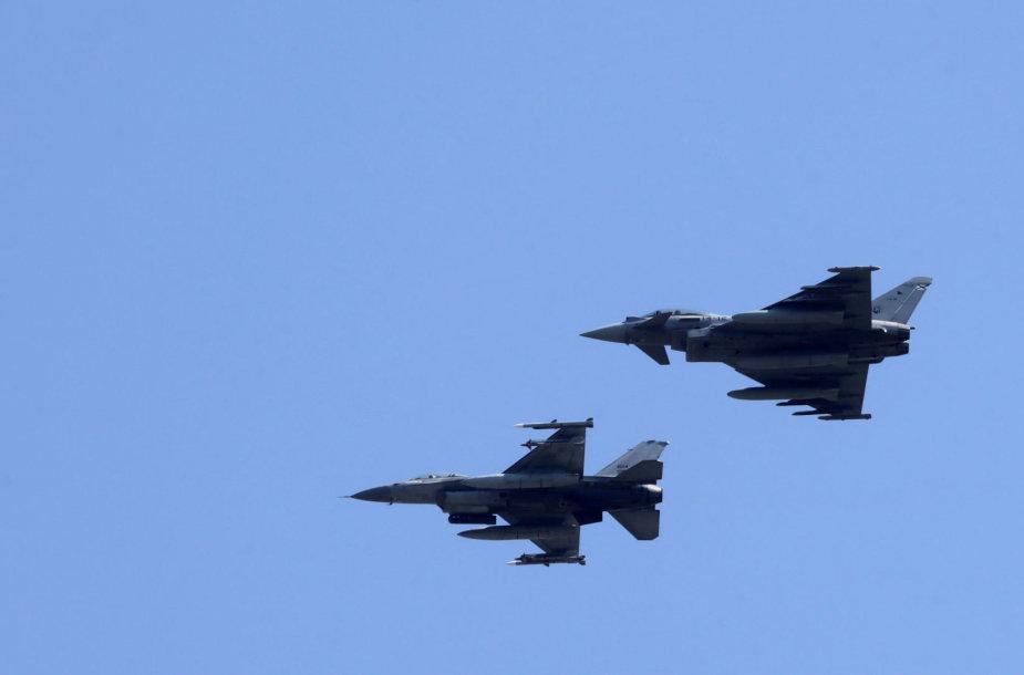 """Ispanijos naikintuvai """"Eurofighter Typhoon"""""""