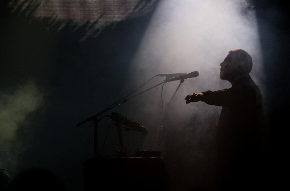 """""""Low Roar"""" koncerto akimirka"""