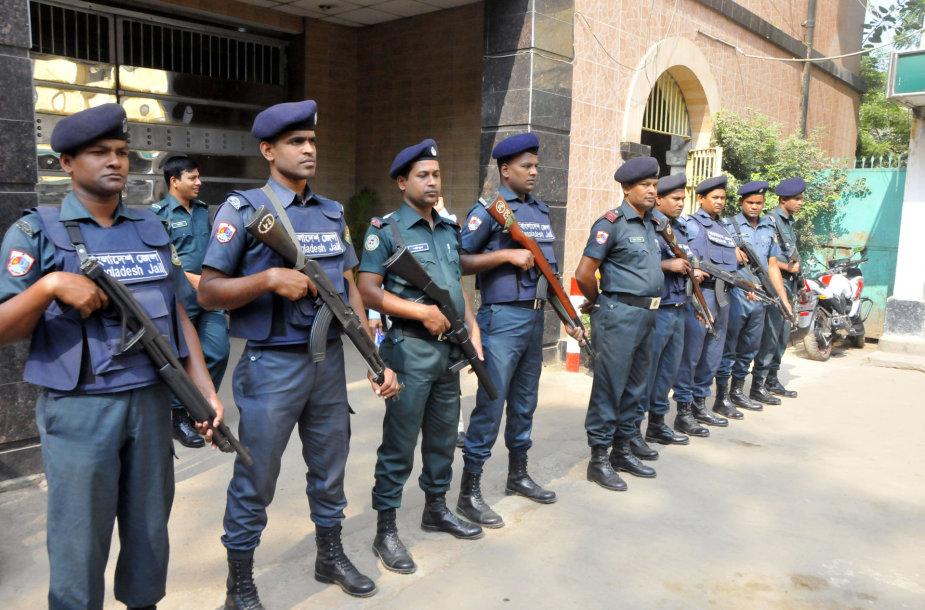 Bangladešo pareigūnai