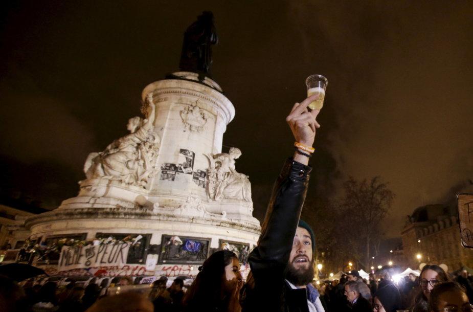 Paryžius praėjus savaitei po išpuolių