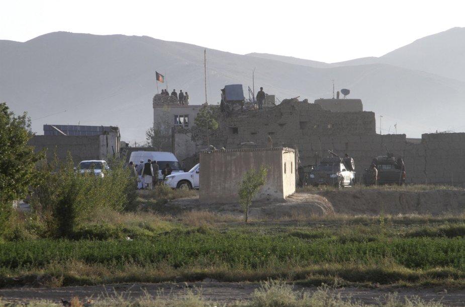 Afganistano kariuomenė prie šturmuoto kalėjimo