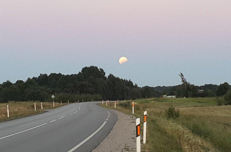 Dalinis Mėnulio užtemimas