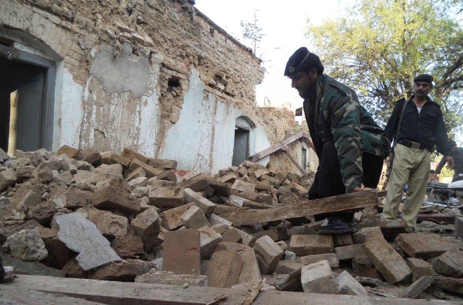Afganistaną, Indiją ir Pakistaną supurtė 7,5 balo žemės drebėjimas