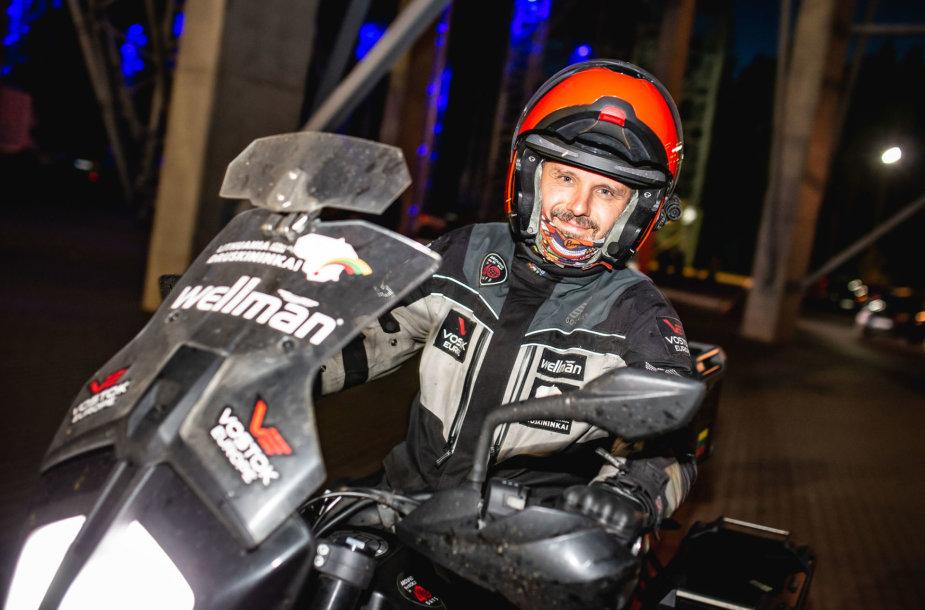 Karolis Mieliauskas per 40 dienų apvažiavo aplink pasaulį.