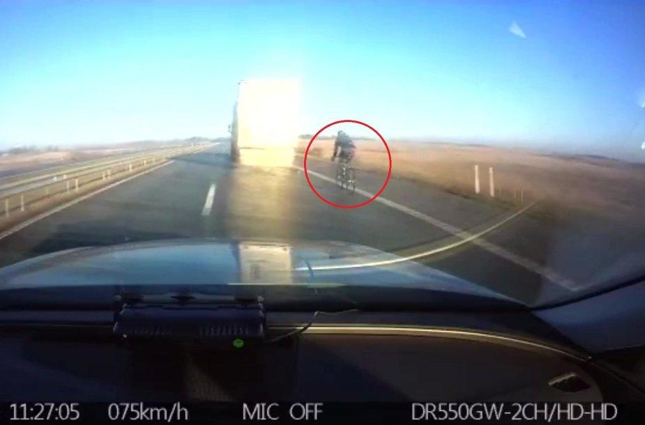 Pavojingas dviratininko KET pažeidimas