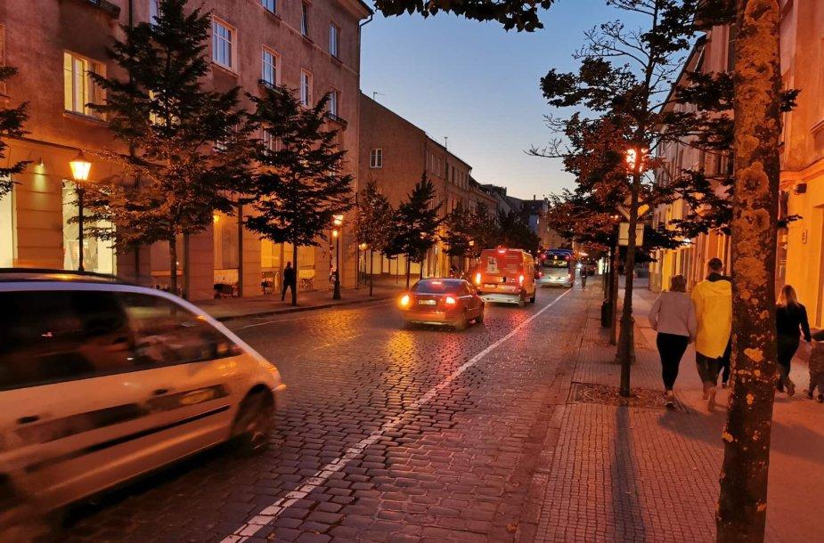Klaipėdos senamiesčio gatvėse kitą savaitę atsiras ženklai, įspėjantys apie ribojamą greitį. Leistinas greitis – ne didesnis nei 20 km/h.