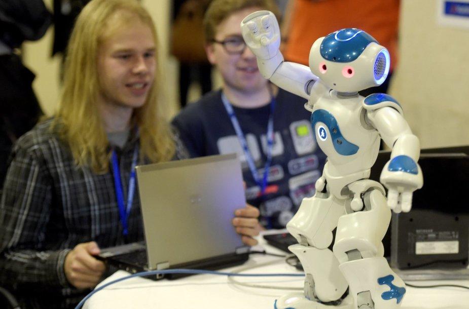 Žmogaus emocijas atpažįstantis robotas NAO