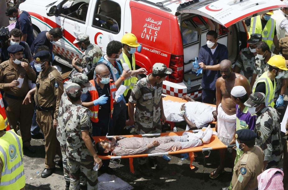 Per spūstį Mekoje žuvo ir buvo sužeista šimtai maldininkų.