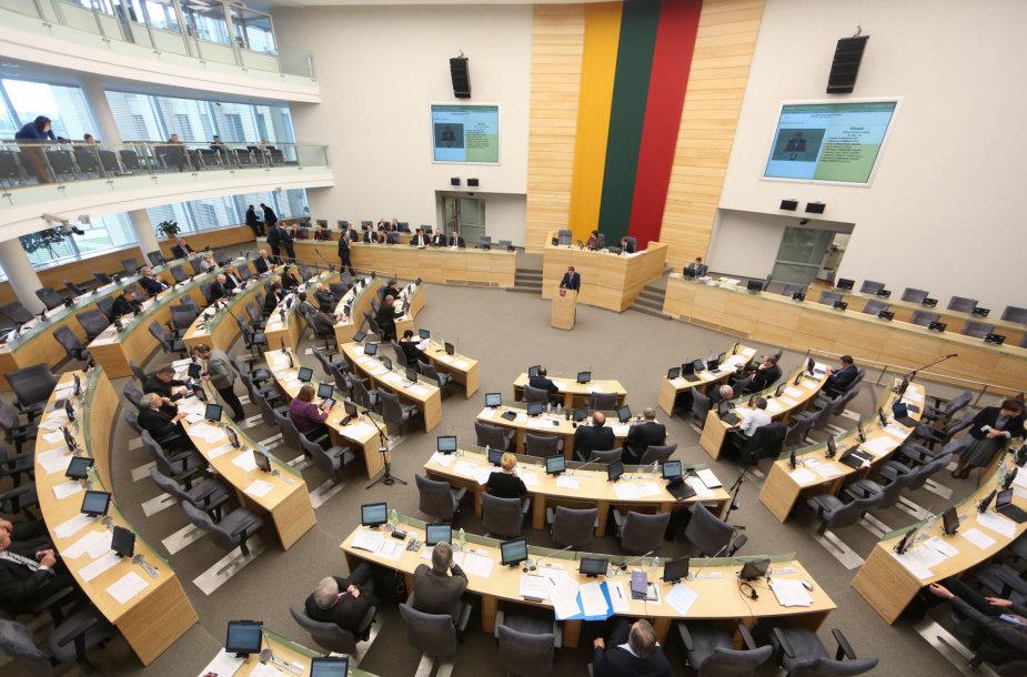 Seime pristatyta Vyriausybės veiklos metinę ataskaitą