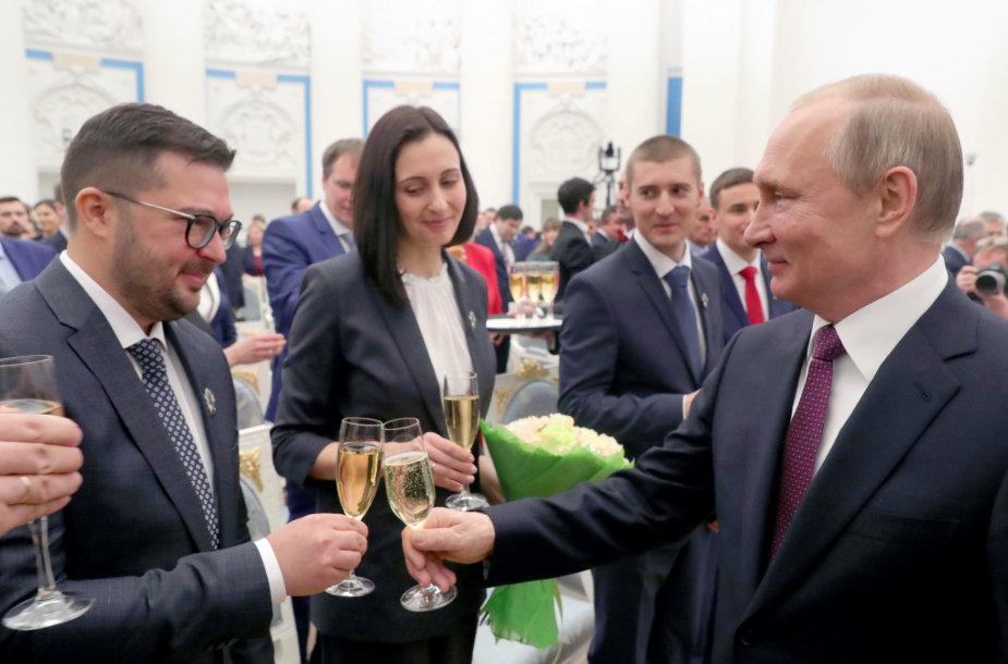 V.Putinas susitinka su Rusijos jaunaisiais mokslininkais