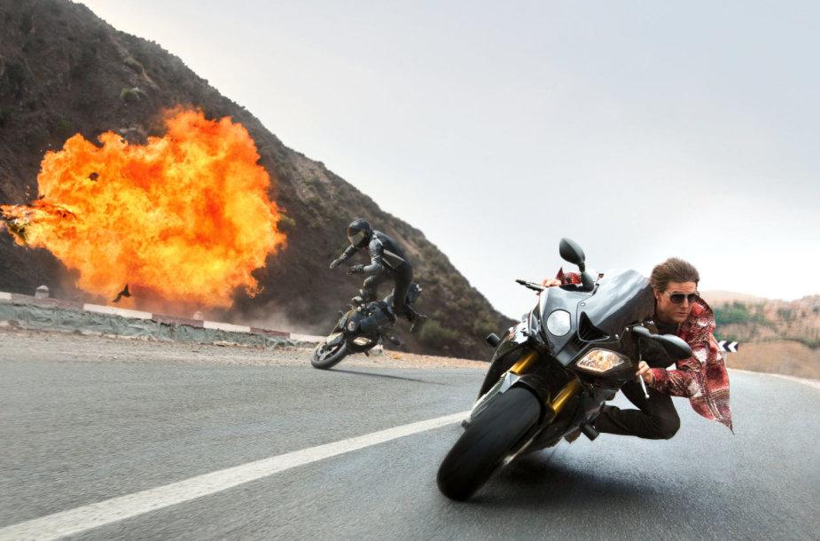 """Tomas Cruise'as filme """"Neįmanoma misija: slaptoji tauta"""" (2015 m.)"""