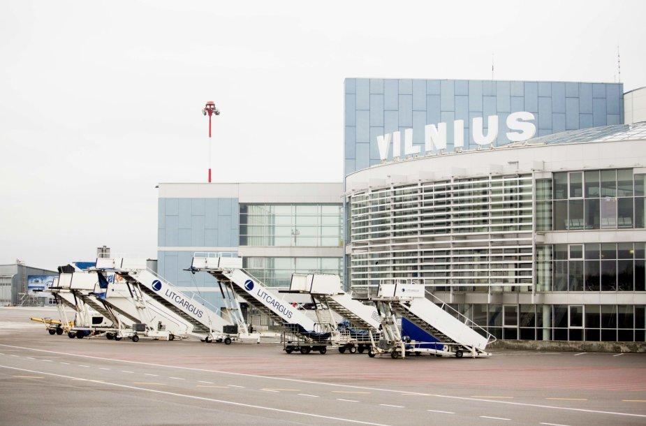 Vilniaus oro uoste pasirašyta kilimo ir tūpimo tako rekonstrukcijos sutartis