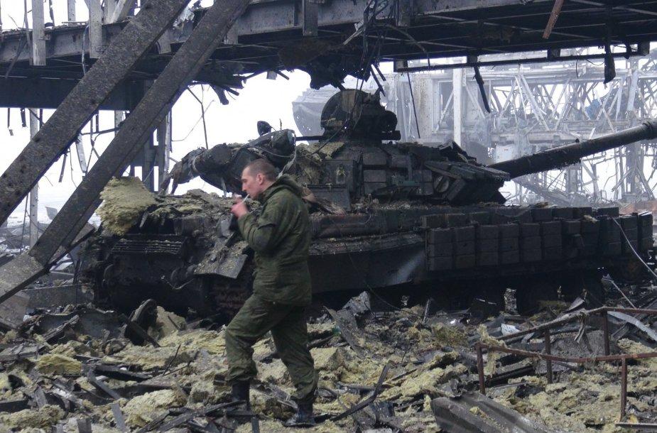 Rusijos teroristas Donecko oro uoste.
