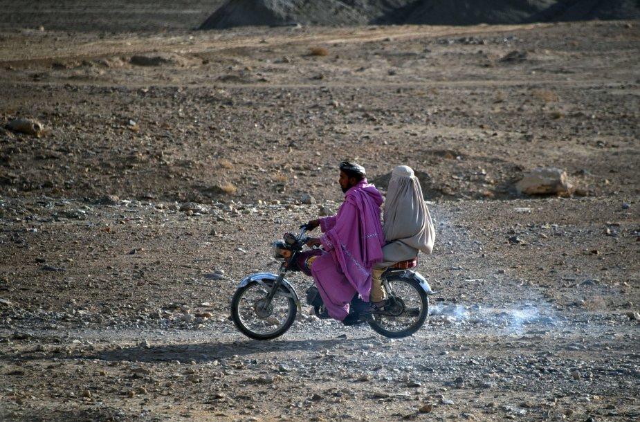 Manoma, kad daugybė afganistaniečių ruošiasi bėgti iš šalies