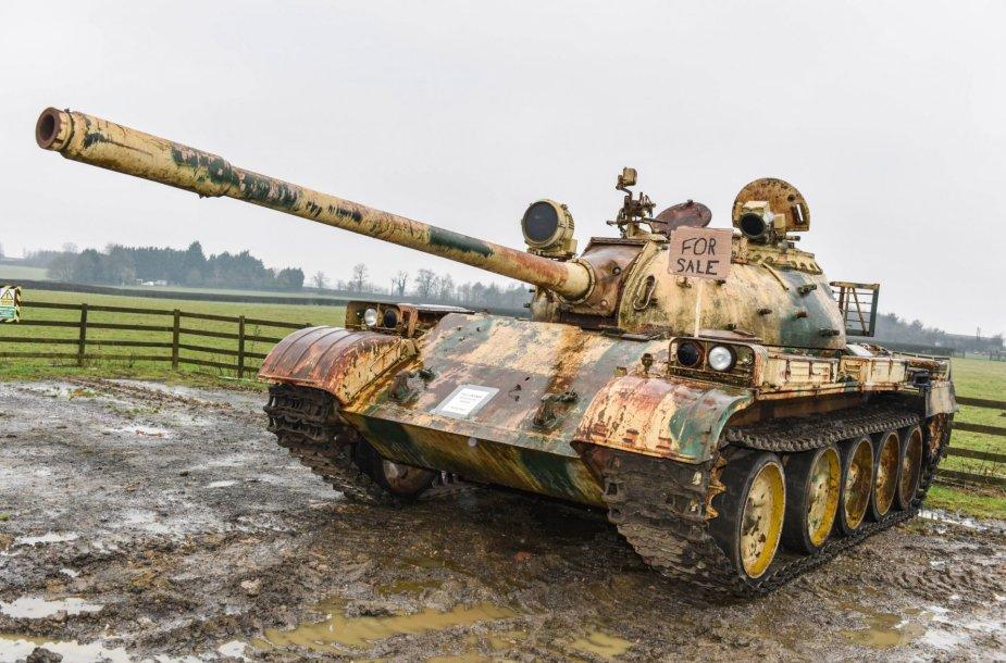 Britas, nuo paauglystės restauravęs karinę techniką, parduoda kinišką tanką