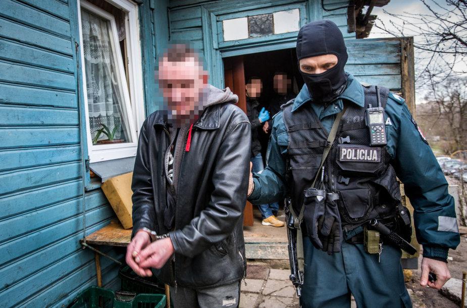 Heroino prekeivių sulaikymo operacija
