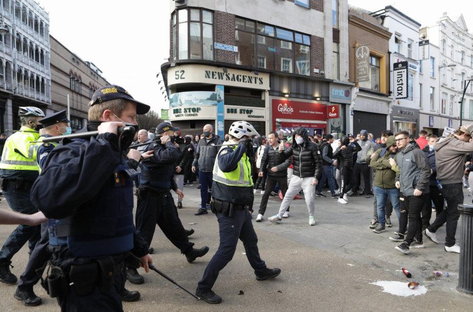 Policijos ir protestuotojų akistata Dublino centre