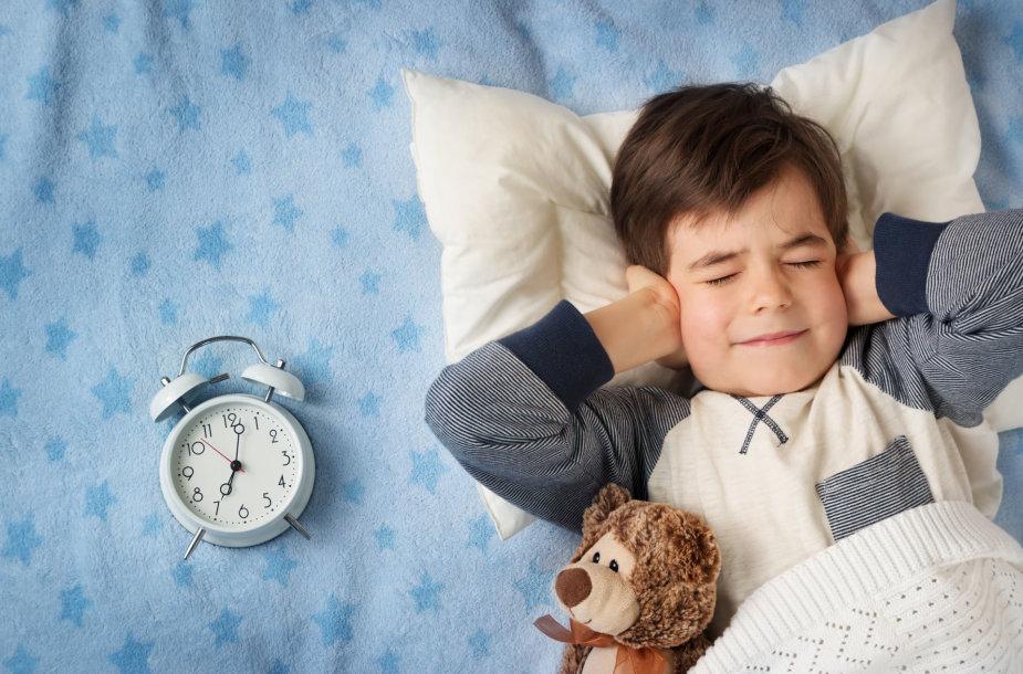 Vaikui sunku ryte keltis.