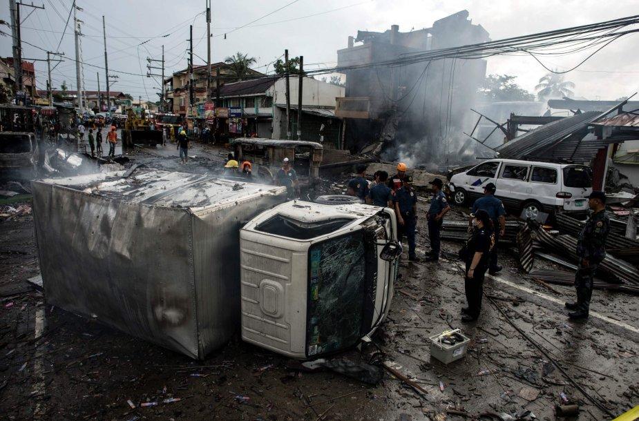 Gaisras fejerverkų krautuvėlėse Filipinuose