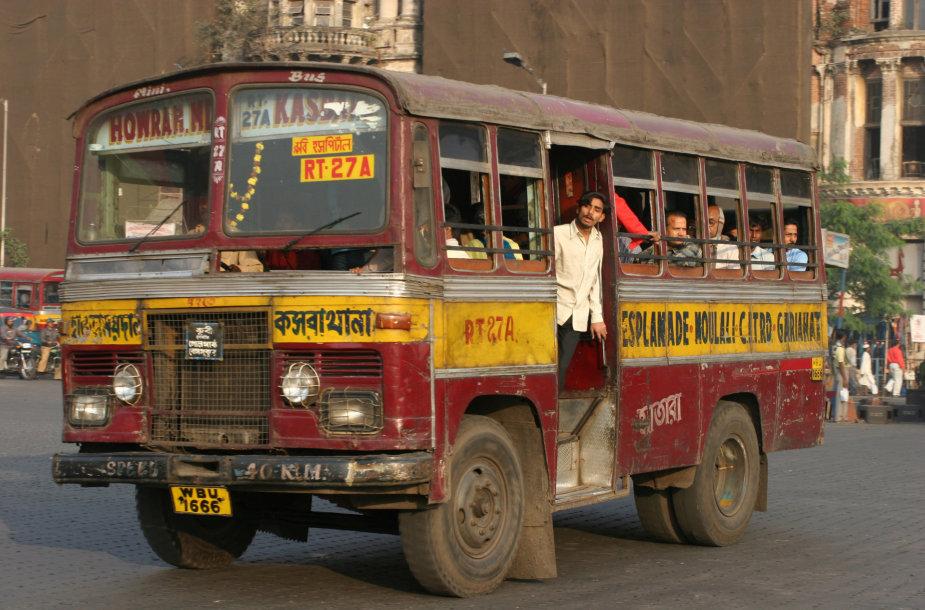 Asociatyvinė iliustracija: autobusas Indijoje