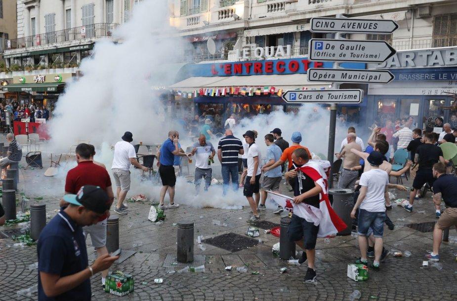 Futbolo sirgalių susirėmimas Marselyje