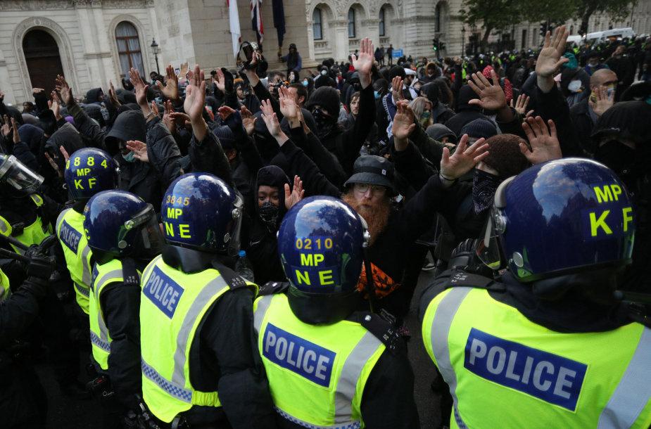 Protestai Londone dėl G.Floydo nužudymo