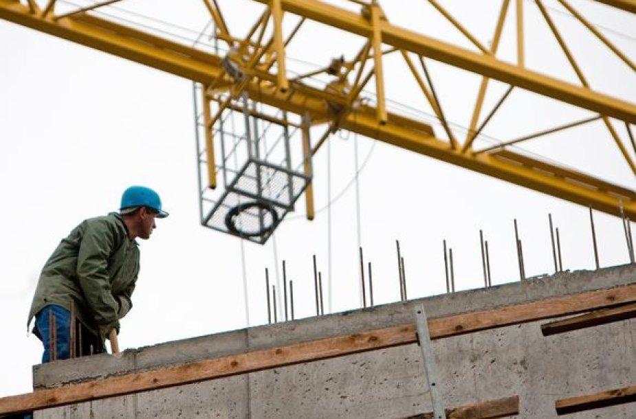 Sustojus statybų sektoriui, statybininkai su viltimi laukia valstybės užsakymų.