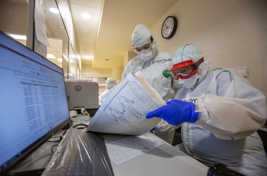 Medikai, kovojantys su koronavirusu