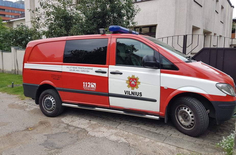 Ugniagesių gelbėtojų štabo mikroautobusas įvykio vietoje