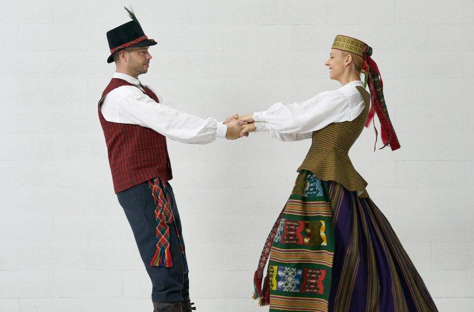 tautiniai kostiumai
