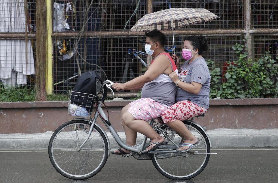 Prie Filipinų artinasi taifūnas Vamco