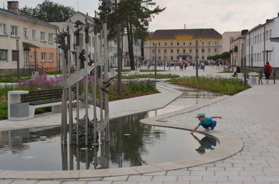 Vasario 16-osios alėjos atidarymas Varėnoje
