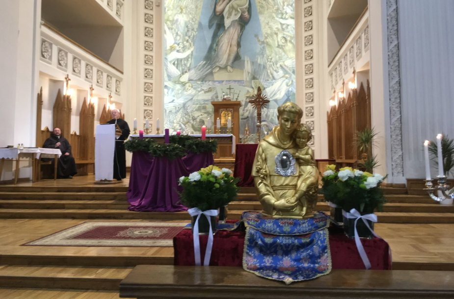 šv.Antano Paduviečio relikvijos atgabentos į Klaipėdos Marijos Taikos Karalienės bažnyčią