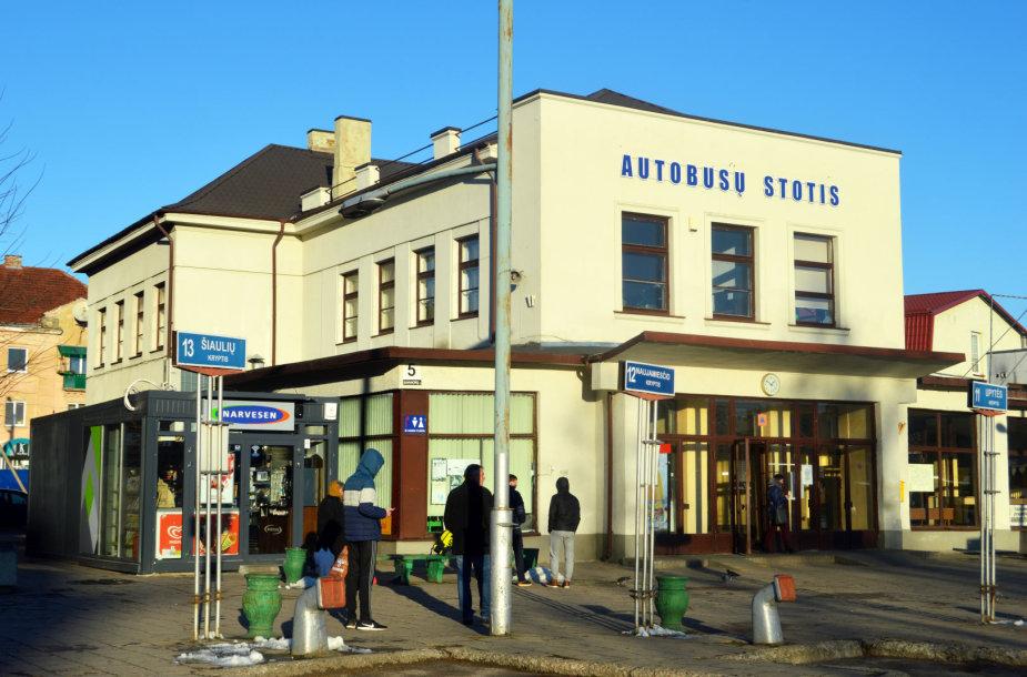 Panevėžio autobusų stoties pastate buvo įsikūrusi sinagoga. Savanorių a. 5