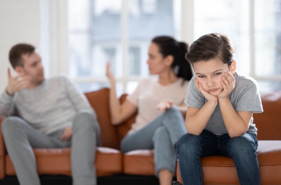 Nesutariantys tėvai