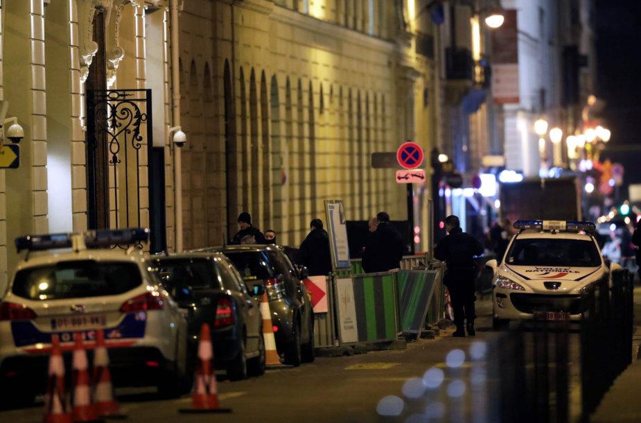 """Garsus Paryžiaus viešbutis """"Ritz"""" buvo apiplėštas trečiadienio vakarą"""
