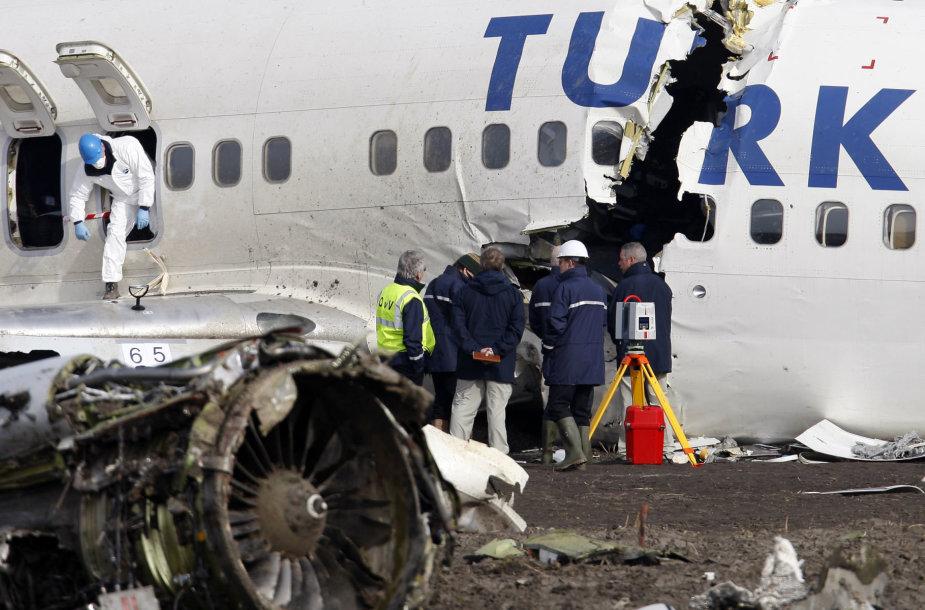 """2009 metais Šipolio oro uoste sudužęs """"Turkish Airlines"""" lėktuvas """"Boeing 737"""""""