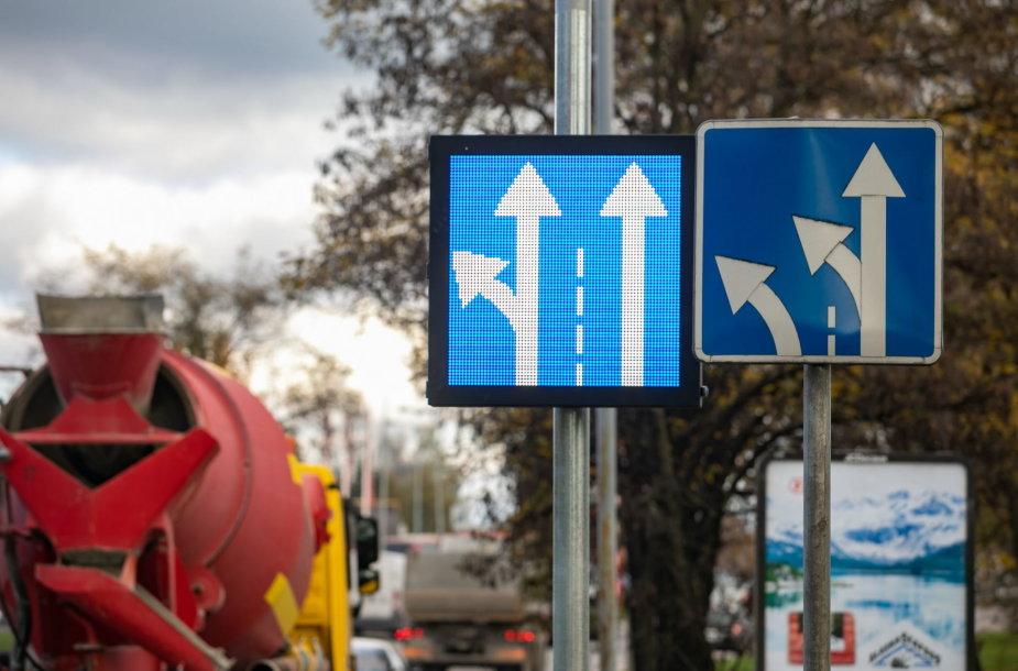 Kintami kelio ženklai