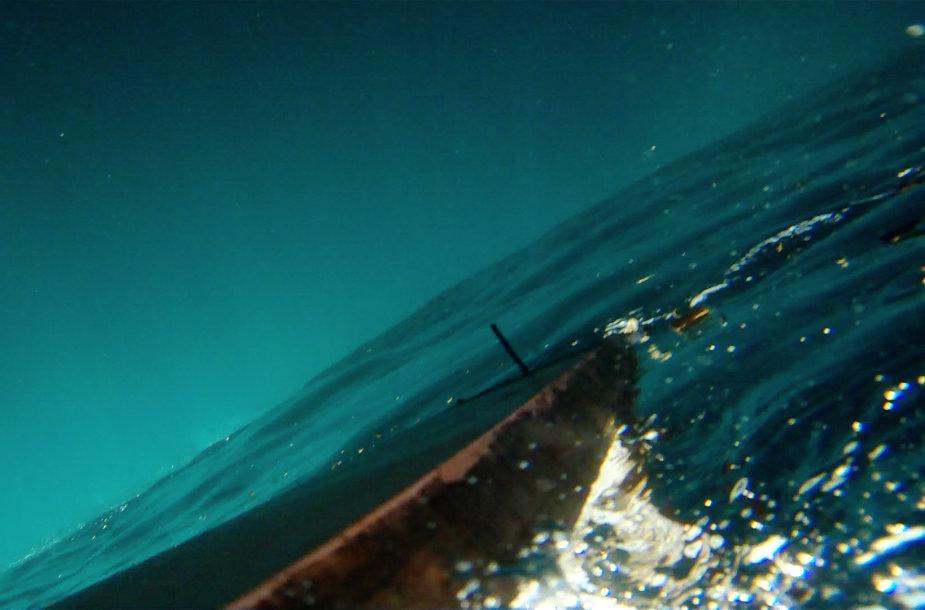 """Kadras iš filmo """"Purpurinė jūra"""""""