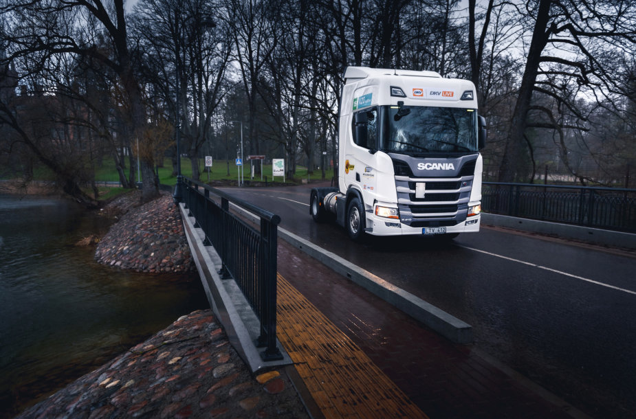 """Dujomis varomas vilkikas """"Scania R 410 LNG"""""""