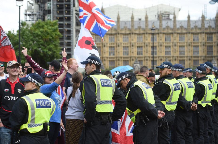 Protestas prie Jungtinės Karalystės parlamento