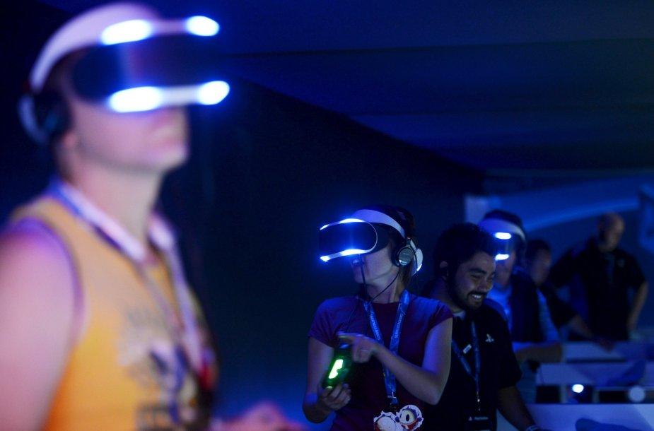 """Virtualios realybės įrenginiai """"Sony Project Morpheus"""""""