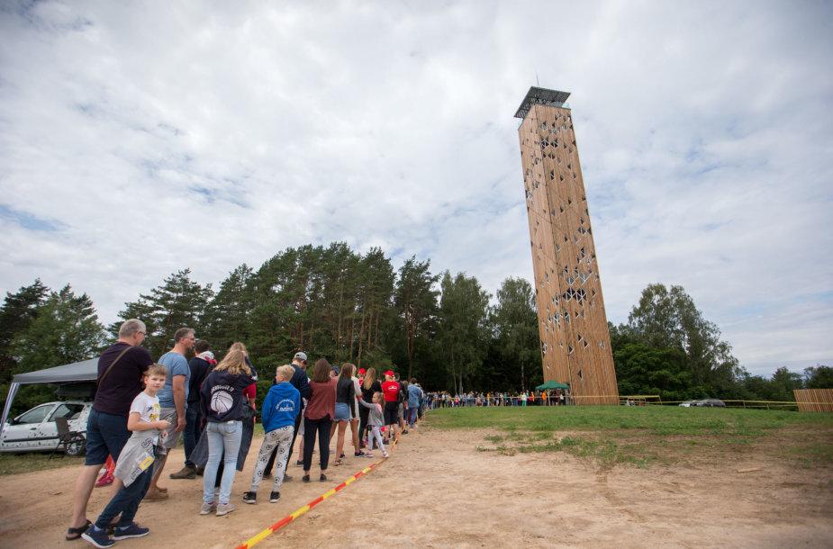 Birštonas tapo traukos centru: suviliojo bokštas ir pėsčiųjų žygis