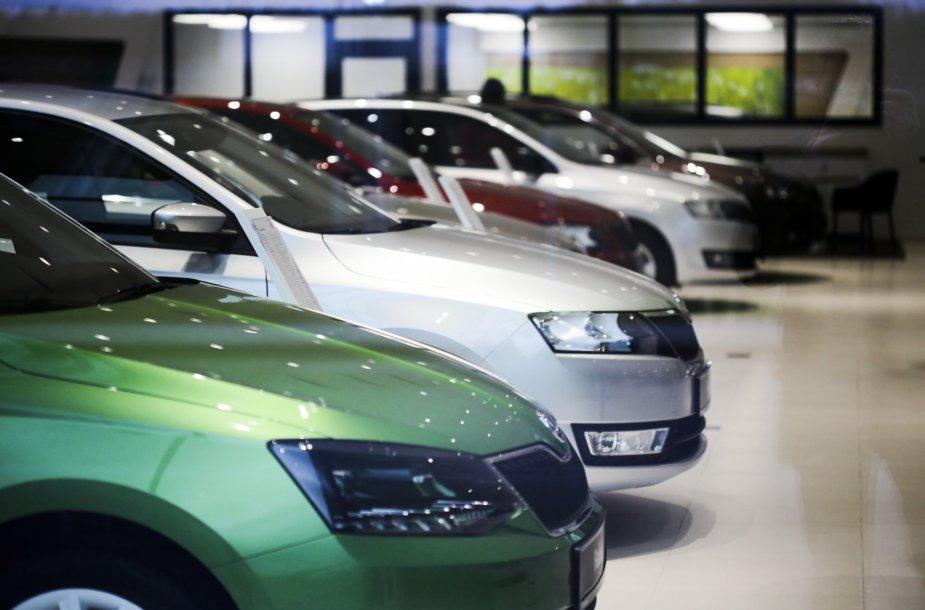 """Naujasis """"Škoda"""" automobilių pardavimo salonas"""