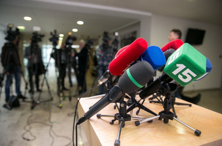 15min mikrofonas