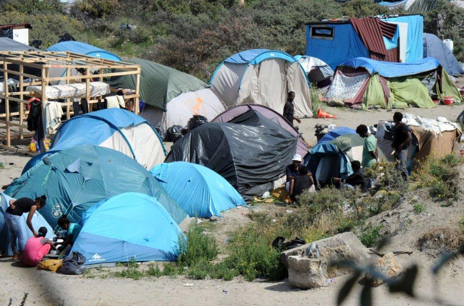 """""""Džiunglės"""" – migrantų stovykla Kalė mieste Prancūzijoje"""
