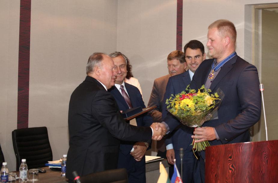 Kaune apdovanotas A.Gudžius ir kiti šio miesto atletai.