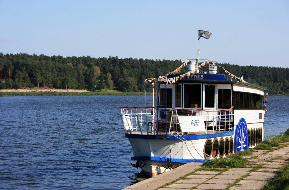 """Asociatyvi iliustracija: laivas """"Vytenis"""""""